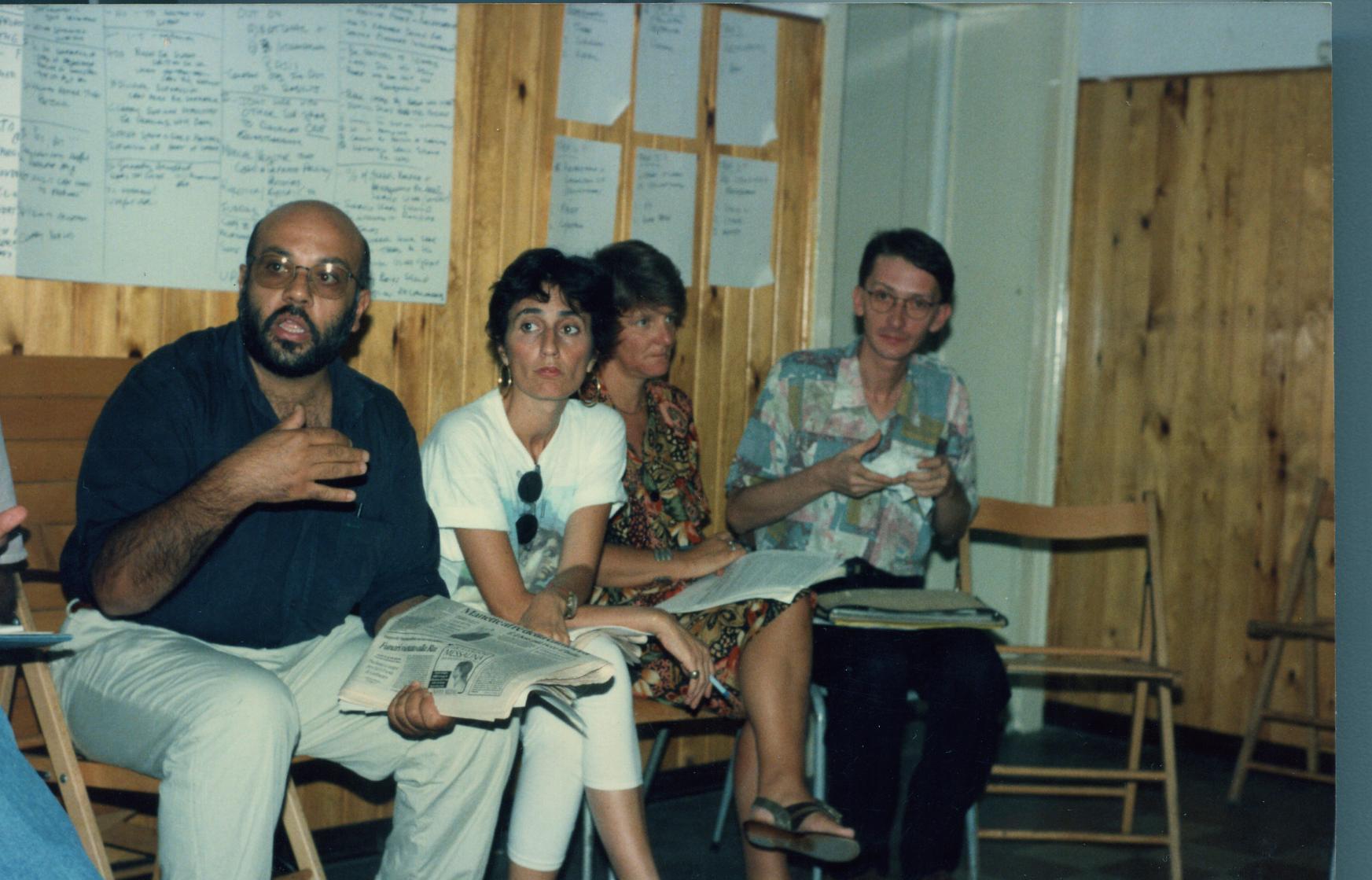 Susy Costanzo insieme a soci della LILA Catania e della LILA Nazionale ad un seminario residenziale a Linguaglossa negli anni '90